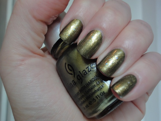 China Glaze Peace on Earth with Chanel Illusion D'or