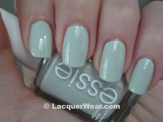 Essie Absolutetly Shore, shade