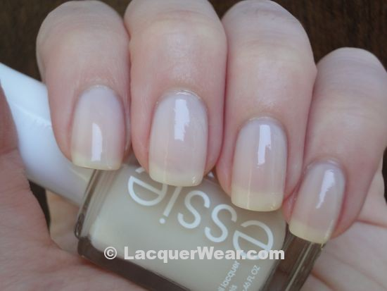 Essie Allure, shade