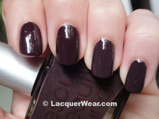Essie Carry On, Recherche